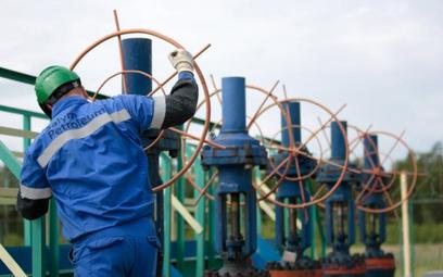 Ropa utrzymuje wzrosty ceny, bo popyt na paliwa w USA jest coraz mocniejszy