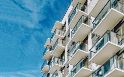 Eksperci spodziewają się, że wzrośnie popyt na tańsze nieruchomości na obrzeżach miast kosztem miesz