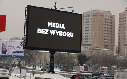 Informacje o proteście pojawiły się m.in. na billboardach w centrum Warszawy
