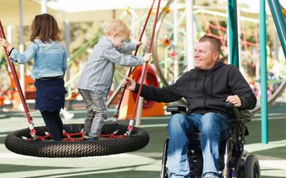 Pracownik niepełnosprawny ma tyle samo opieki nad dzieckiem