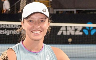 Iga Świątek pod koniec lutego wygrała turniej w Adelajdzie