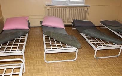 Sypialnia dla nieletnich w Policyjnej Izbie Dziecka w Poznaniu