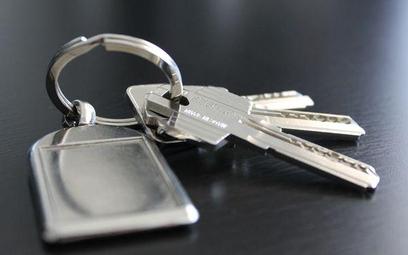 Oddanie mieszkania w zamian za opiekę bez PCC