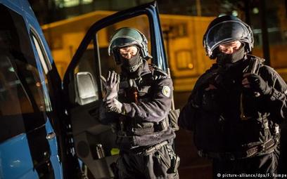 Obławy w Bawarii i Czechach przeciwko bandom przemytników ludzi