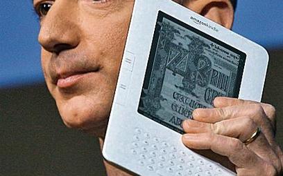 Jeff Bezos z Amazona prezentuje nowy gadżet – Kindle 2.