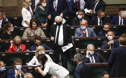 Zuzanna Dąbrowska: PiS nie chce ustąpić, ale wyborów się boi
