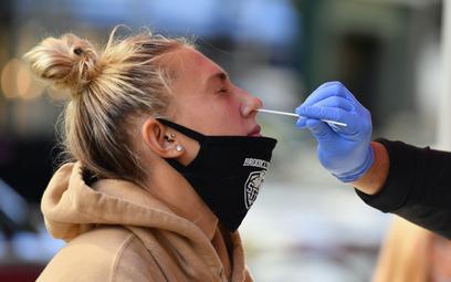 Słowacja zaczyna testy wszystkich obywateli na koronawirusa