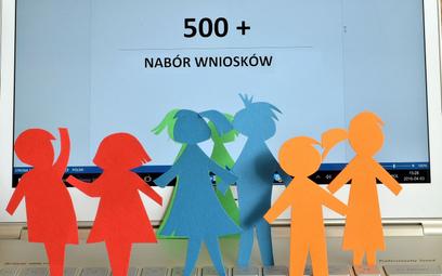 Wniosek o 500 plus tylko online. Projekt krytykują samorządowcy