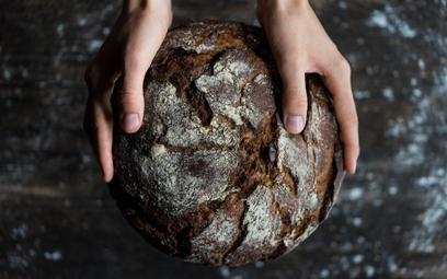 """""""Stek z chleba"""": Nowa wegańska potrawa budzi emocje"""