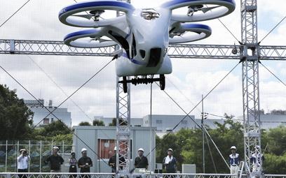 Japonia pionierem latających aut. Zmieszczą się na parkingu