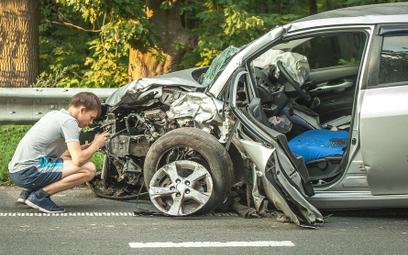 Młodzi kierowcy częściej zabijają na drogach