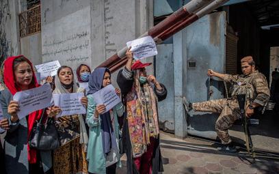 Afganistan. Firmy należące do kobiet zamknięte od ponad miesiąca