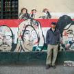 Peter Hessler i graffiti przy słynnym placu Tahrir