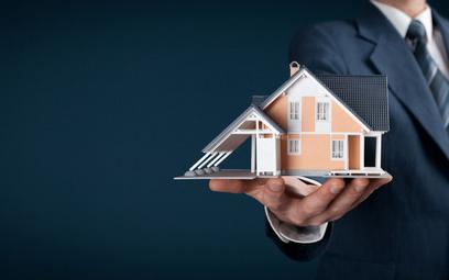 Koniec z nieograniczonymi zarobkami dla pośredników na rynku nieruchomości