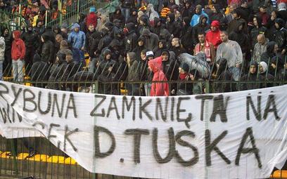 Protest kibiców Widzewa i Jagiellonii przeciwko zamykaniu stadionów
