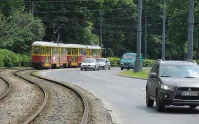 Służebność przesyłu będzie można ustanowić też dla sieci telekomunikacyjnych, linii kolejowych czy t