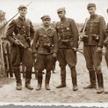 """Kadra słynnej V Brygady Wileńskiej, od lewej: podporucznik czasu wojny Henryk Wieliczko """"Lufa"""", poru"""