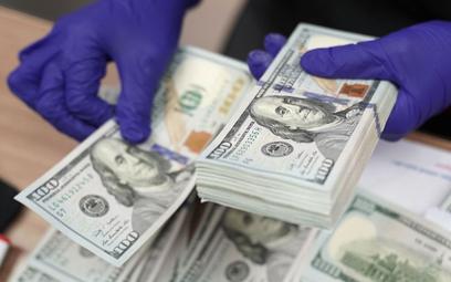 Które waluty zrewanżują się dolarowi?
