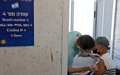 Izrael: Niezaszczepieni nie skorzystają z siłowni i rozrywek