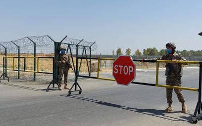 Punkt kontrolny przy granicy Afganistanu z Uzbekistanem.