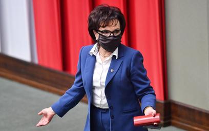 Reasumpcja głosowania: Opinie prawników, na które powoływała się marszałek Witek, były z 2018 r.
