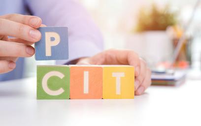 Niejasne przepisy dotyczące opodatkowania spółek komandytowych - jak rozliczyć zyski uzyskane zanim spółka stała się podatnikiem CIT