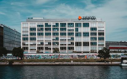 """Całe Zalando bierze wolne w sierpniu. """"Za pracę w pandemii"""""""