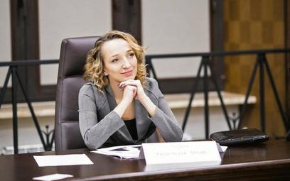 Adwokat powinien starannie przygotować swojego klienta na pytania stawiane przez przeciwników, zwłas