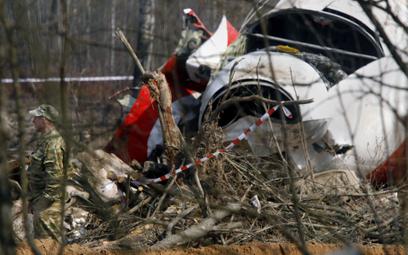 Wrak Tu-154M na miejscu katastrofy pod Smoleńskiem