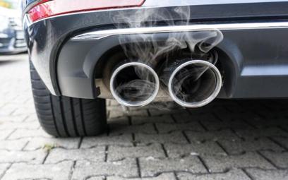 Do zakazu sprzedaży aut spalinowych coraz bliżej