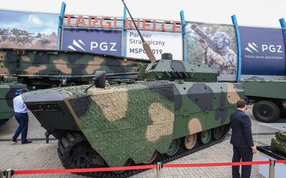 Bojowy wóz piechoty Borsuk. Fot./Roman Bosiacki.