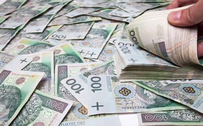Ponad 7 tys. zł średniej płacy już w 2025 roku
