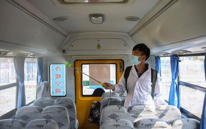Koronawirus. Gdy w Chinach szalała epidemia liczba zgonów spadła. Dlaczego?