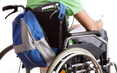 MEN poucza szkoły w sprawie niepełnosprawnych uczniów