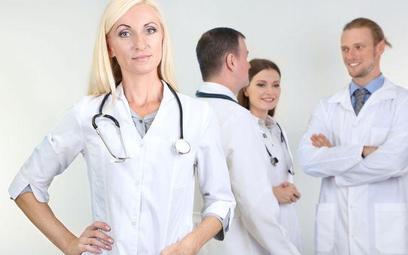 Groźny outsourcing pielęgniarek kontraktowych