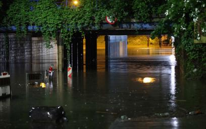 Ulewy w Małopolsce. Krakowski Bieżanów znów pod wodą