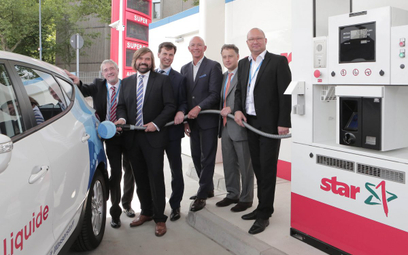 Niemcy gotowi wydać miliardy na stacje tankowania wodoru dla ciężarówek