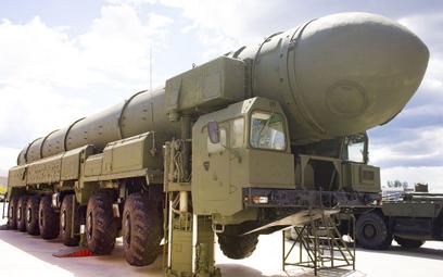 Raport: broni jądrowej nieco ubywa