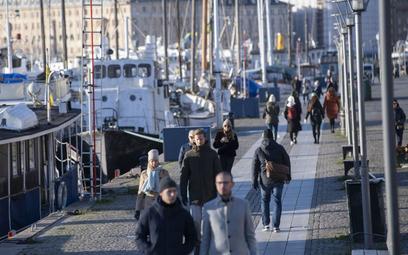 Koronawirus w Europie: Wskaźnik zakażeń w Szwecji wyższy niż we Francji