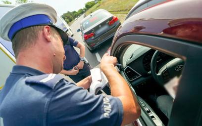 Policja odebrała 38 proc. więcej praw jazdy w czasie pandemii