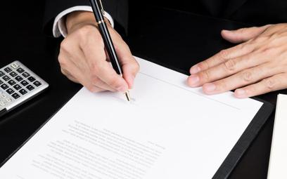 """Przetargi: na dokumentach bez """"poświadczam za zgodność z oryginałem"""""""