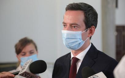 Wiceszef MON-u: Opozycja wpisuje się w scenariusz rosyjskich służb