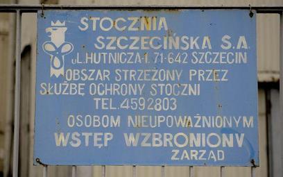 Prezesi wychodzą ze Stoczni Szczecińskiej