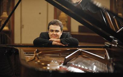 Filharmonia Narodowa: Arcadi Volodos – pianista romantyk??