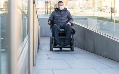 Koronawirus a PIT: ulga rehabilitacyjna nie obejmuje wydatków na maseczki dla niepełnosprawnego