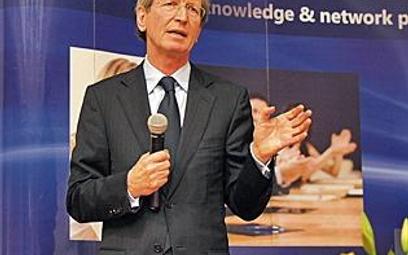 David Montgomery dyrektor zarządzający grupy Mecom