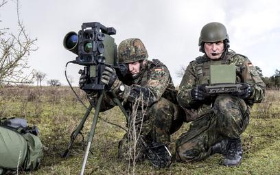 Zestaw przeciwpancerny Spike-LR Bundeswehry z wyrzutnią wyposażoną w nowy blok sterowania ICLU. Fot.