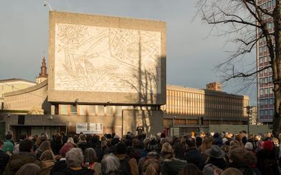 Budynek w Oslo do rozbiórki. Co z muralami Picassa?