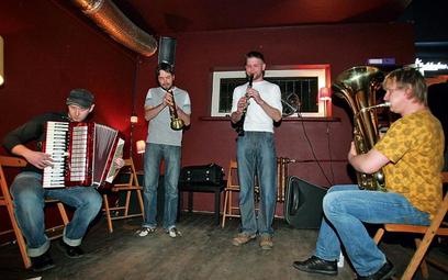 Sztetl Quartet to projekt założony przez muzyków pochodzących z Sejn, małego miasteczka w północno-w