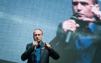 Po nadziei na realne zmiany, jakiej nabrali wyborcy Pawła Kukiza, został tylko antyestablishmentowy